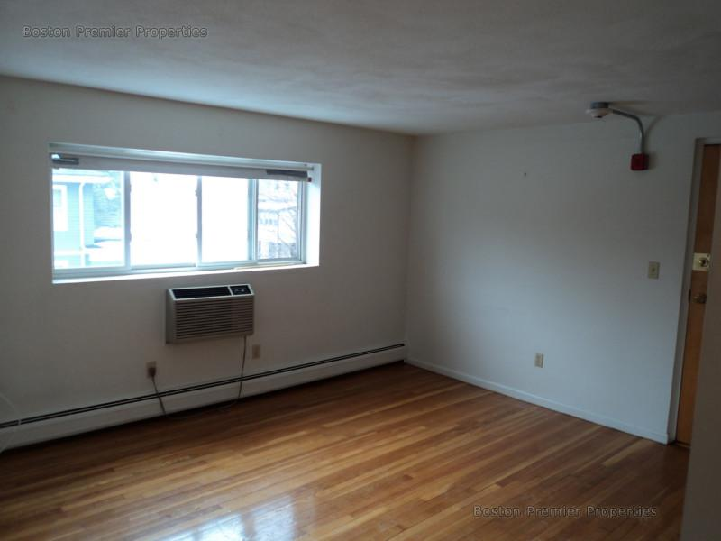 2 Bd, Avail., Parking Included, Photos