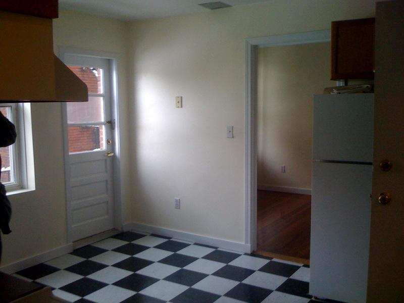 Sunny North End 1BR with Heat Avl 9/1! Sweet!