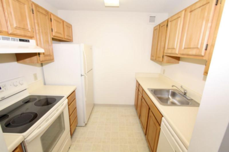 3 Bd on Dartmouth St., 1.5 Bath, Granite Counter Tops, New Appliances