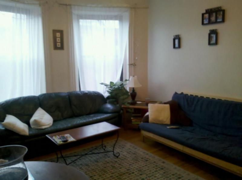 3 Bd, Dishwasher, New/Renovated Kitchen, High Ceiling, Eat-in Kitchen