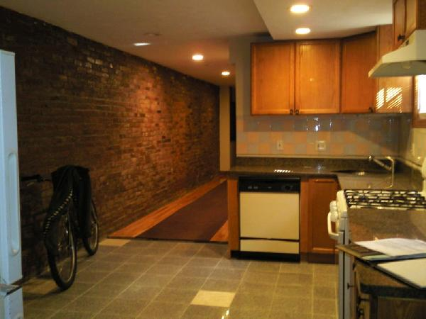 3 Bd, On Harvard Ave. Brighton, Gas n HTW incl, Hardwood, Laundry in B