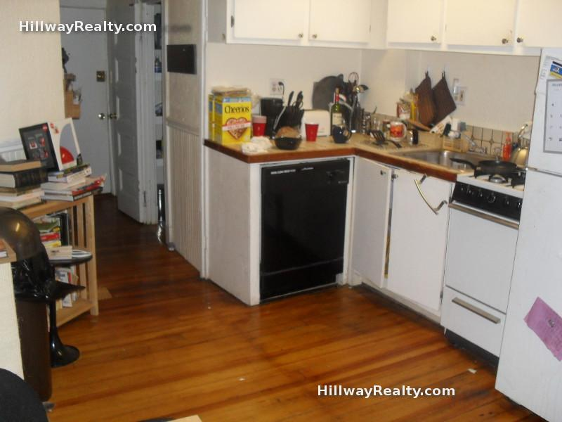 Amazing Beacon Hill 3 Bed Ht/Hw Included Absolute Steal!