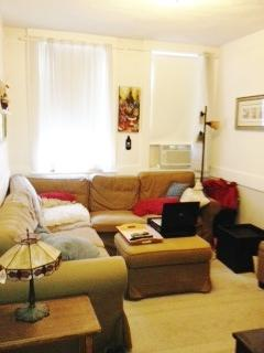 NO FEE! EXQUISITE NORTH END 3BR W HUGE EAT-IN KIT ON ENDICOTT!
