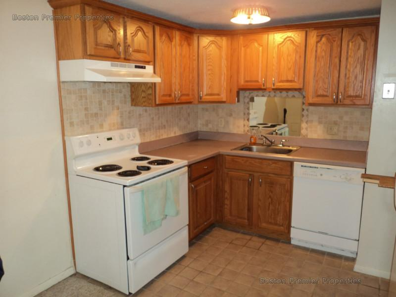 2 Bd, Avail Now, HT/HW, Balcony, Dishwasher, Disposal, Photos