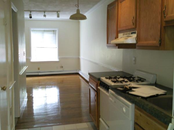 Cute1 bed for September 1st!! Ht/Hw included, hdwd floors, dishwasher!