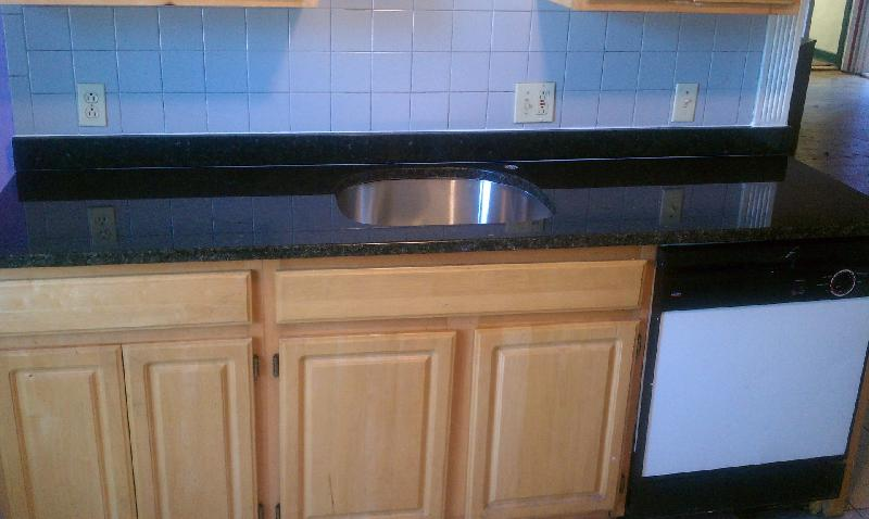 Gorgeous Granite, Gleaming Hardwood Flrs, MUST SEE!