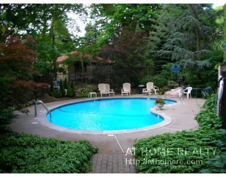 PRIME BC/LUX BLDG/ POOL/EAT IN KITCH/MOD BATH/AVAIL 9.1!!