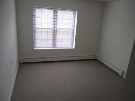 Lovely 1 Bedroom, Great Location, Heat & Hot Water Included!