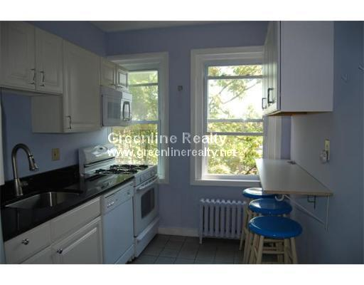 3 Bd, Avail 09/01, HT/HW, COIN-OP LAUNDRY, Parking Available, Gas Stov
