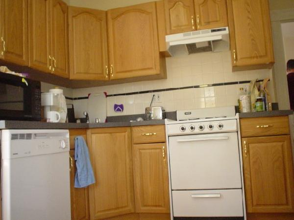 2 Bd in BU area  Laundry in building Parking Included Avail 09/01