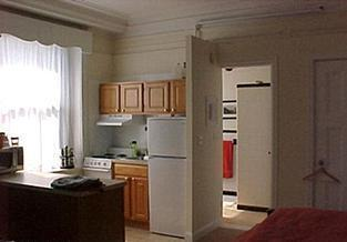 Studio on Boylston, Modern Kitchen, A/C, Laundry in Building, Carpet