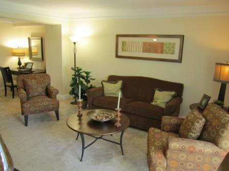 Fantastic 1 Bed, New Kitchen & Bath, Great Location --Pet Friendly