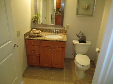 Gorgeous 2 Bed, Granite Kitchen, Tiled Baths -- Located Next To