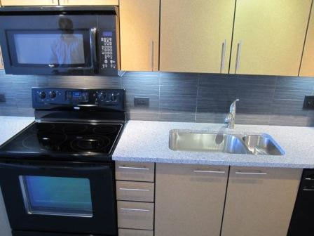 Gorgeous 2 Bed, Great Location, Newer Kitchen, Pet's Okay!!!