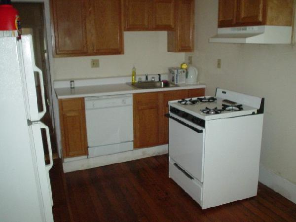2 Bd on Winthrop Rd., Avail 09/01, HT/HW