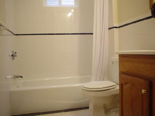 WELL- PRICED 1 Bd on Webley St., Laundry in Building, New Appliances
