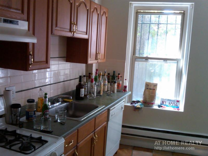 Studio on Harvard Ave., Avail 09/01, HT/HW, Laundry in Buildin