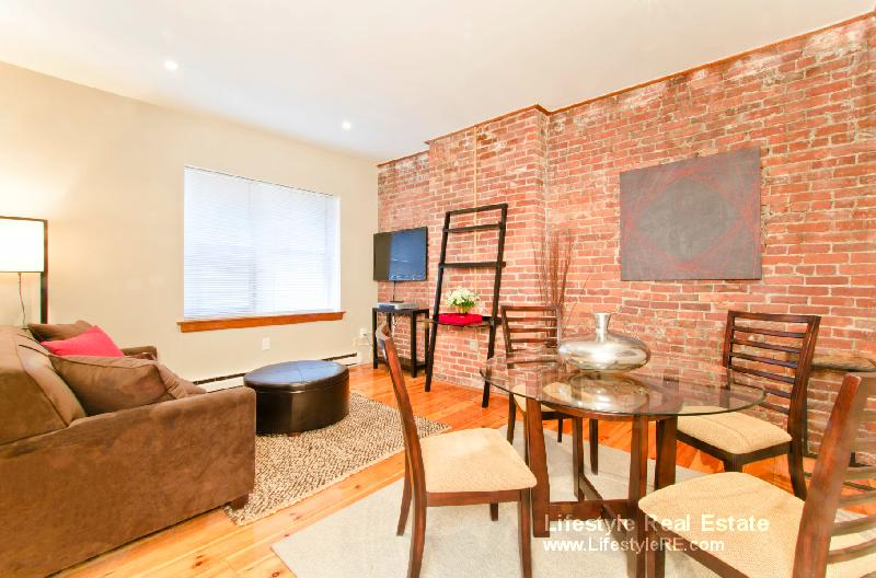 1 Bd on Garrison St., Avail 08/01, HT/HW, Air Conditioning, Stove
