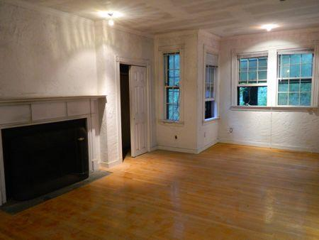 STUNNING ALL NEW CONDO 1 Bd on Phillips St. **AUGUST 1 **
