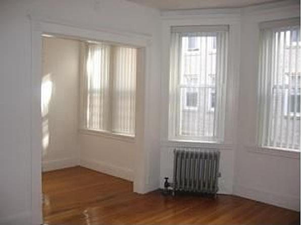 OUTSTANDING Studio on Park Dr., AvaiL 01/01 Pet Ok, HT/HW