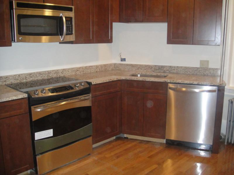 Renovated 2 bed In Coolidge Corner