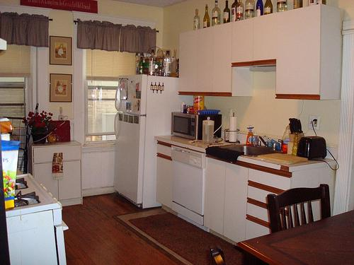 STUNNING PARK DRIVE 5BR W IMMACULATE EAT-IN KIT, HUGE BRS!