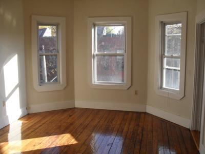 4 Bd on Brook St., Laundry in Building, Photos