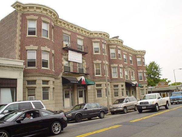 1 Bd Split on Harvard Ave., Parking For Rent, Laundry in Building