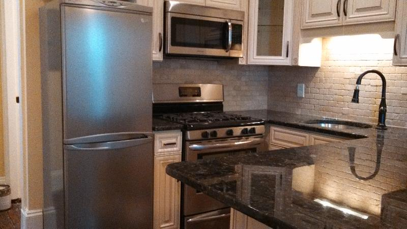 Won't Last! Pristine Unit w/ Flatscreen TV , SS , W/D, - Avail - NOW!