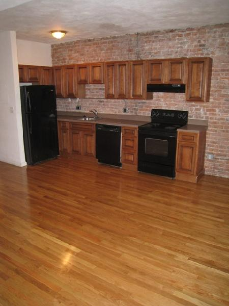 SOUTH HUNTINGTON AVE 3 BED 1. 5 BATH 09/01