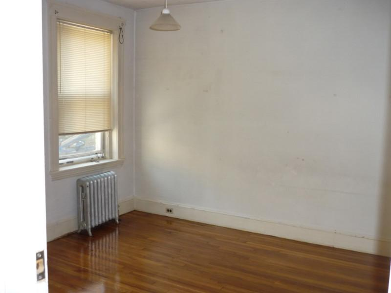 3 Bd on Freeman St.Hardwood Floors, H&HW Included!
