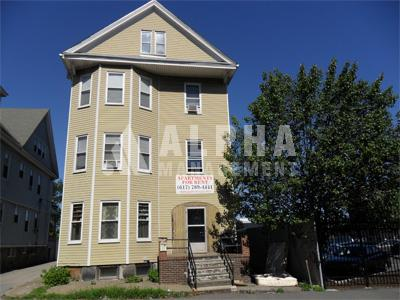 4 Bd on Everett St., Avail 09/01, Parking, Laundry in Building