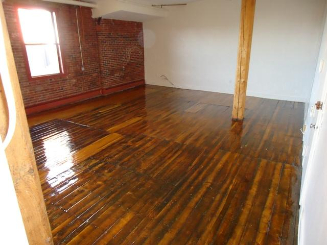 Huge Loft space on two levels. Heat, hotwater, elecand gas included