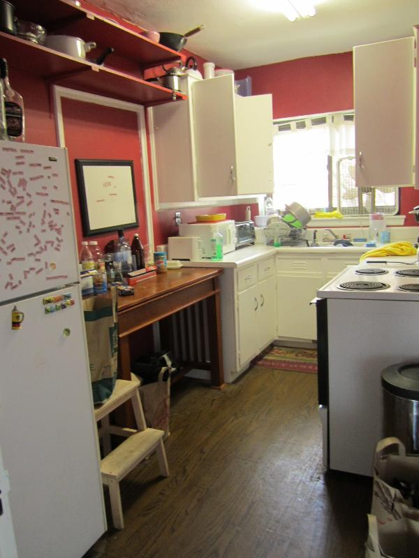 AFFORDABLE FULL 3 BED 1 BATH ON LONGWOOD AVE, BROOKLINE! 6/1 MOVE IN