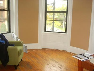 2 Bd on , Pet Ok, Separate Kitchen, Roof Deck, Laundry in Building, Ha