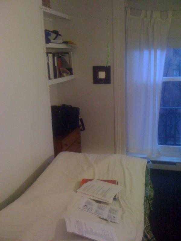 SUMMER STUDIO ON BEACON STREET IN BACK BAY WITH HOT H2O! CALL TODAY!!!
