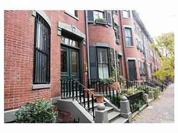 Spacious 2 bed apartment on Milford! Must see