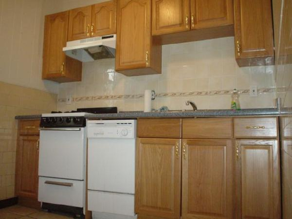 AFFORDABLE STUDIO HT/HW AVAIL 09/01 N BEACON ST PARKING AVAIL