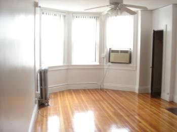 Studio on Westland Ave., Laundry in Building, Elevator, Concierge