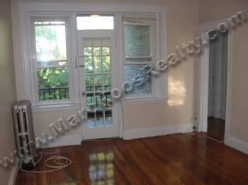 STUNNING 2 BED on Summit Ave HT/HW NOW Laundry in Building
