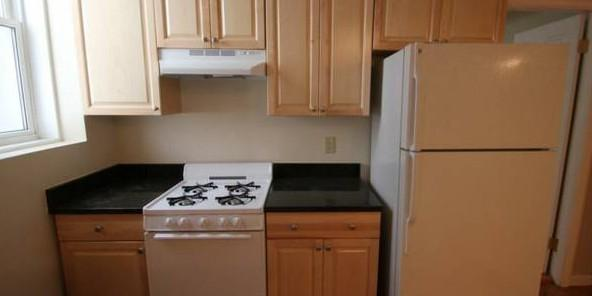 2 bed on Comm Ave, Allston