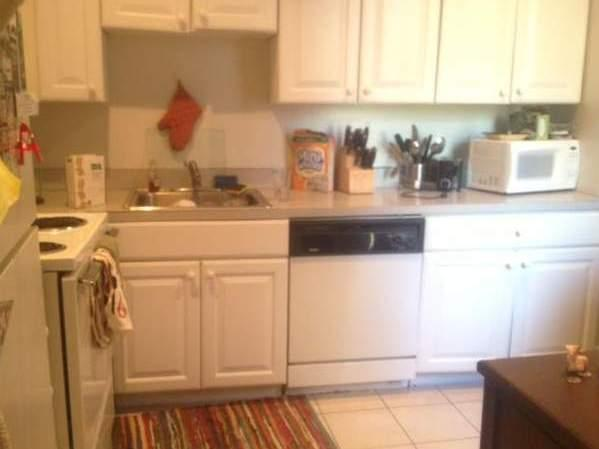 Lovely 2 bed 1 bath- south end!