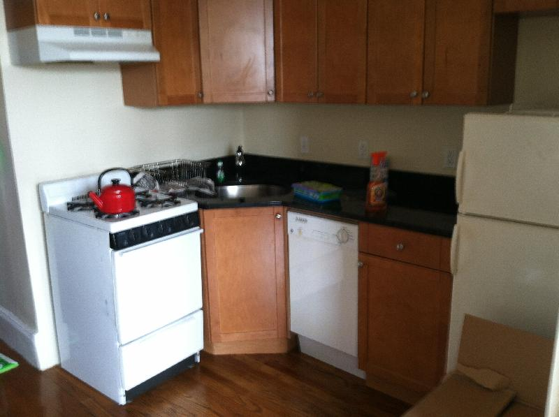 Great Fenway Studio! Perfect For Students! Heat+Hot water included!