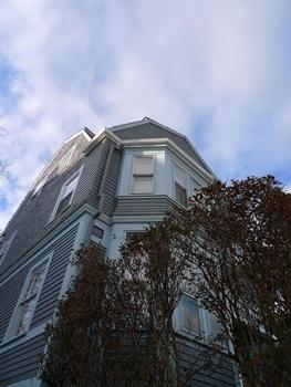 5 Bd on Parker St., 2 Bath, Parking For Rent, Avail. 9/1/14