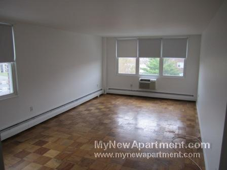 Charming 1 Bedroom.. Close to Porter Square! Hardwood!