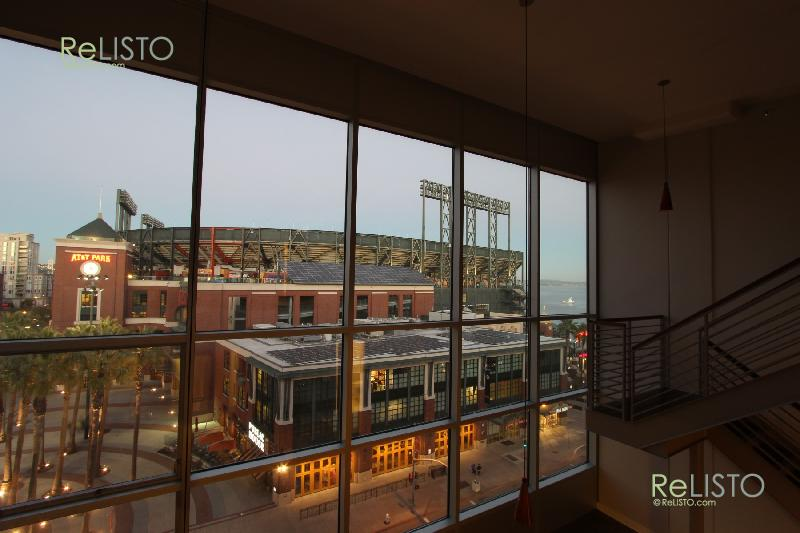 3BD 2BA Loft- Amazing Views. Full Wall Of Glass- Overlooking ATT Park