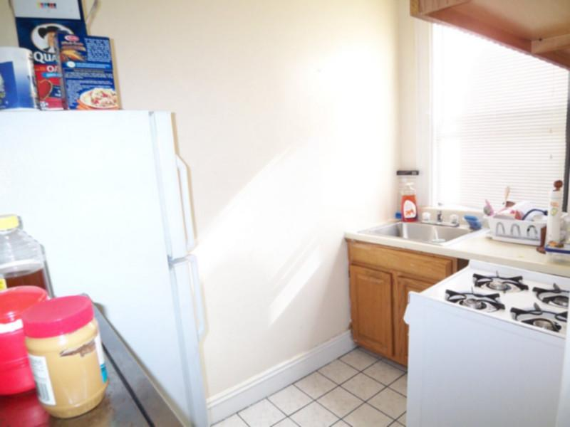 AVAIL 9/1 - ATTRACTIVE BRIGHT STUDIO on WESTLAND AVE