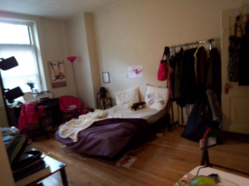 AVAIL 9/1 - SPACIOUS, SUNNY, RENOVATED STUDIO on St Stephen