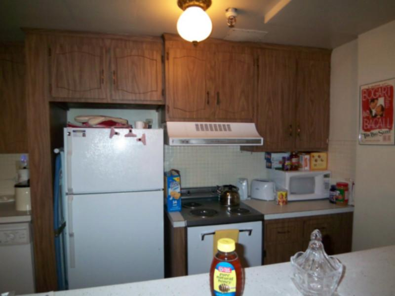 AVAIL 9/1 - Stunning Charming 1 BR on St Stephens *GREAT LOCATION*