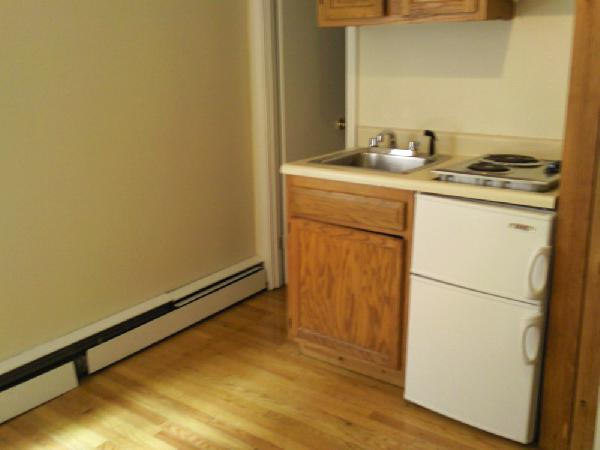 Amazing Studio, Beautiful, LOW Rent, Heat and Hot Water INCLUDED!